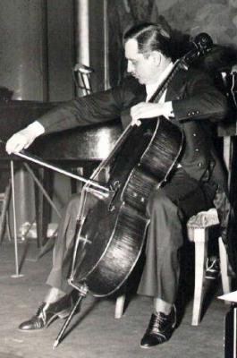 maurice-marechal-playing-the-cello.jpg